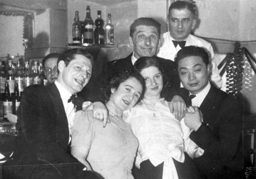 Jewish refugees bar