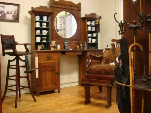 Lebanon County Historical Society's Stoy Museum replication of a Victorian Barber Shop. Click for source.